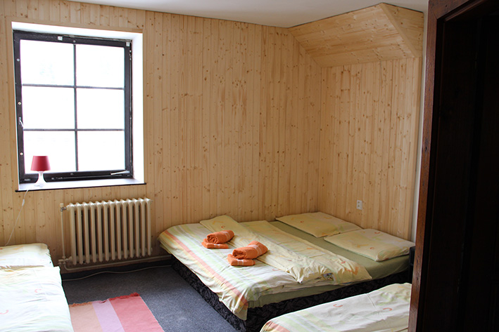 (4 pers.) Four-bed room No. 3